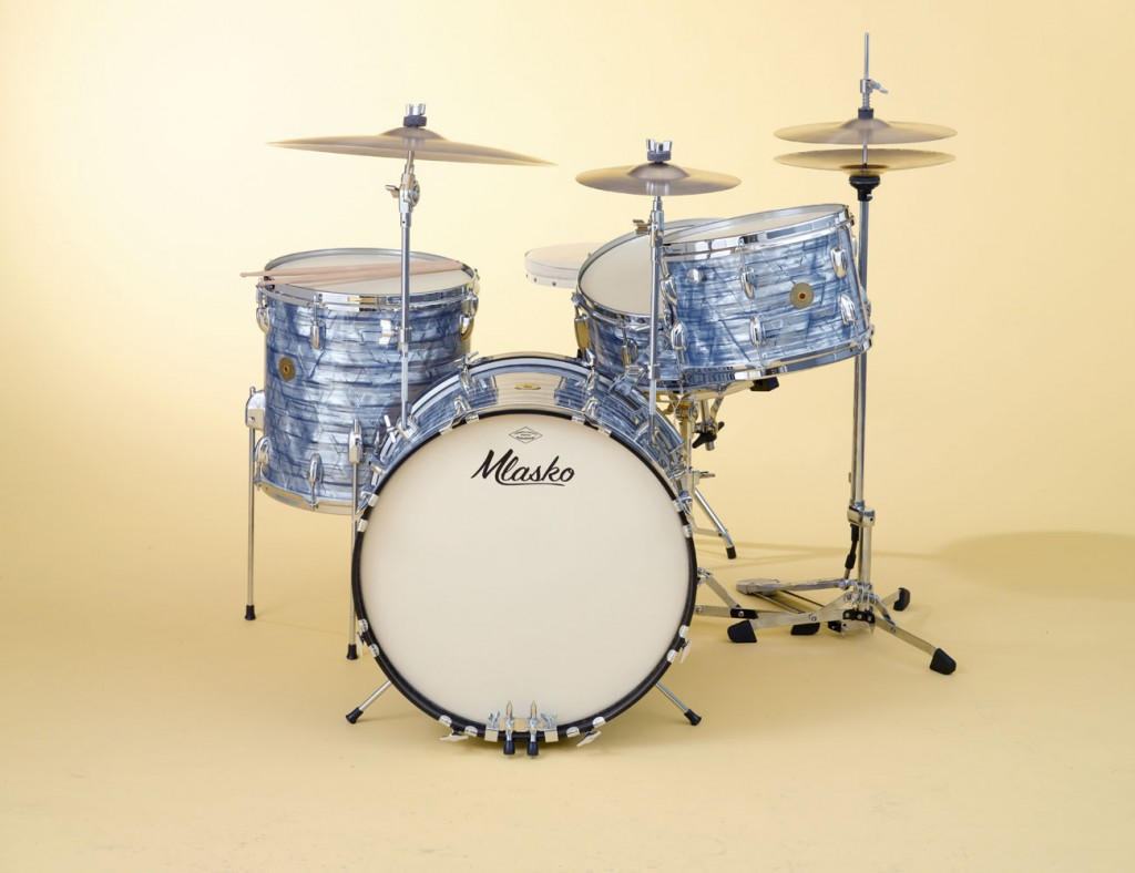 Four piece set with Sky Blue Pearl wrap